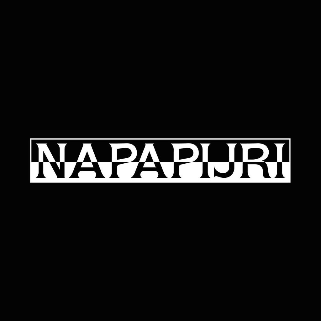 50% de descuento y envío gratis en Napapijri