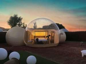 ¡Noche en hotel burbuja + sesion de jacuzzi!