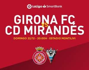 Entrada Gratis Fútbol Girona - Mirandés Entregando un Juguete