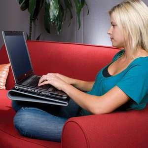 "Base Targus refrigerada PC para uso encima de las piernas (sofá, cama, etc) - Hasta 17"""