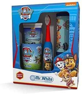 Cepillo de dientes con sistema de cabezal vibratorio; 75 ml de pasta de dientes; vaso de plástico; Cartera de Paw Patrol.