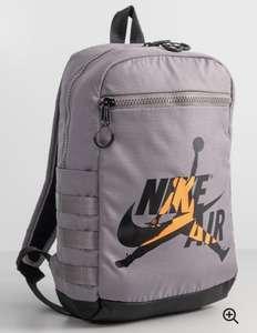 Mochila Nike Air Jordan.