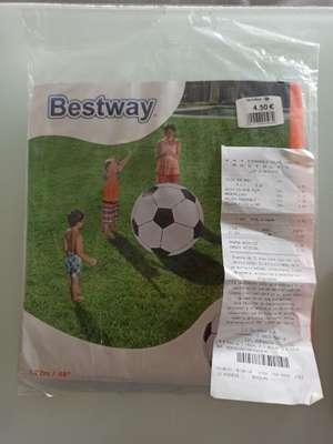 Pelota inflable gigante - Carrefour Outlet Móstoles