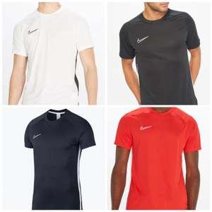 Camiseta Nike Dri-Fit. Disponible en 4 colores
