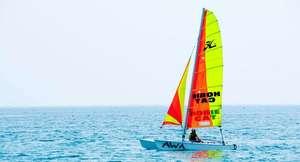 ¡Navega por los mares! Para 2 o 4 personas: Excursión en Catamarán durante 1h + Fotos en Motril