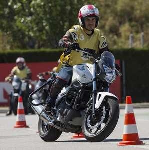 4 clases de maniobras y 2 de circulación en moto