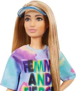 Barbie Fashionista Muñeca morena con vestido teñido tie dye y accesorios de moda