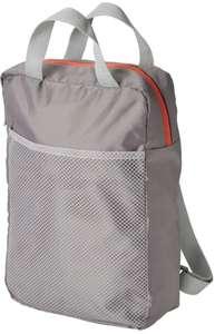Mochila, color gris claro con compartimento de malla