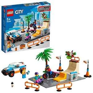 LEGO 60290 City Pista de Skate, Juguete con Monopatín, Camión Bicicleta BMX y Mini Figura de Atleta en Silla de Ruedas