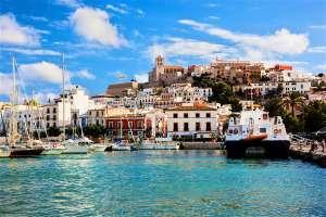 Vuelos ida y vuelta a Ibiza desde 18€ para el puente de la Constitución