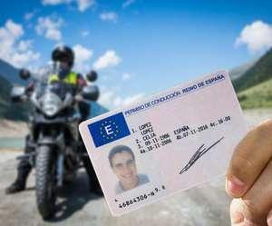 Clases de conducción de moto - Ofertas por toda España [Cuentas seleccionadas]