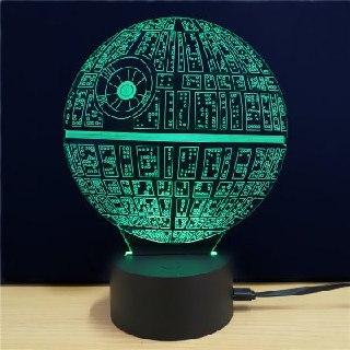Lámpara 3D con forma de la Estrella de la Muerte de Star Wars.