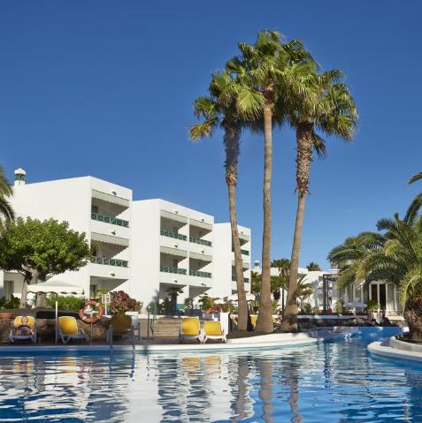 Lanzarote = 7 noches en hotel + desayuno + vuelos