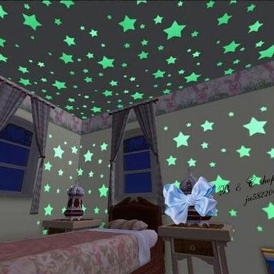 100 estrellas adhesivas fluorescentes en la oscuridad