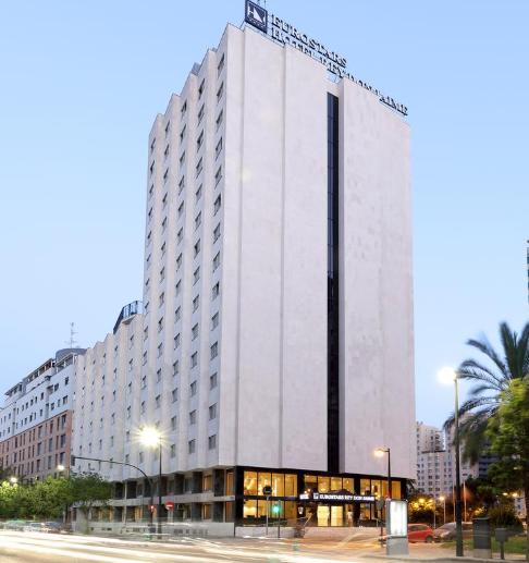 Valencia 15€/p la noche en hotel 4*