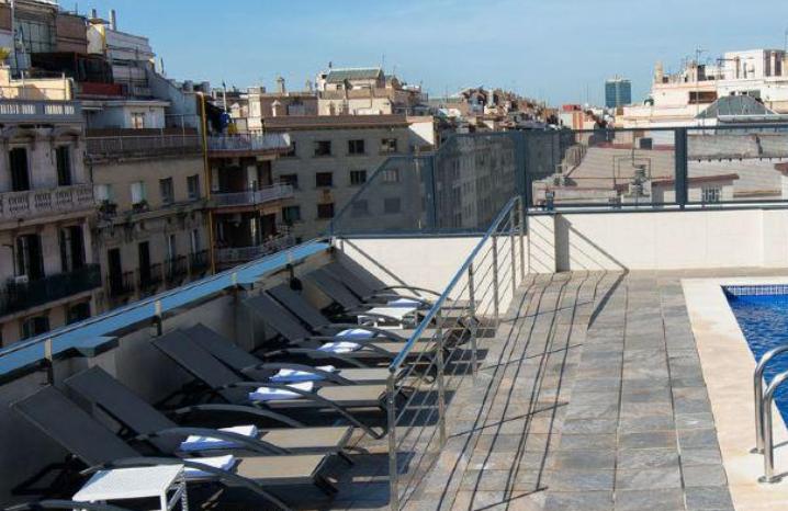 Barcelona : 1 noche en hotel 4*