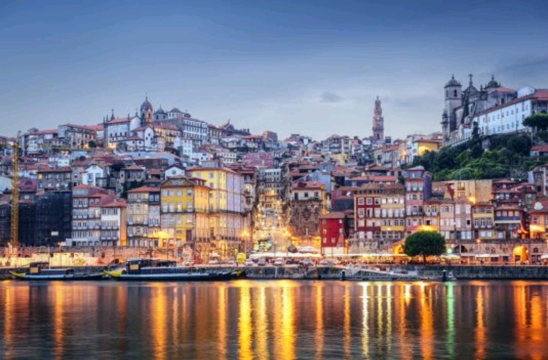 3 días 2 noches Hotel 4* centro de Oporto + desayuno + crucero