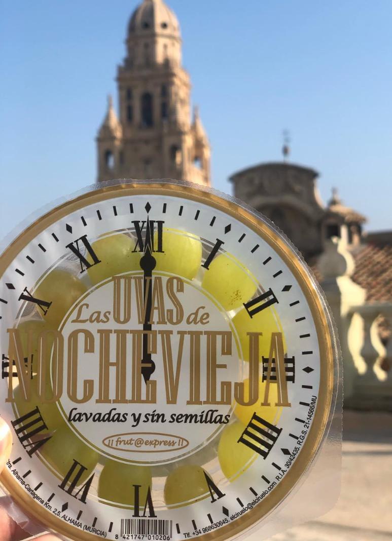 Murcia: Pack de 12 uvas lavadas y si hueso gratis para celebrar el año nuevo en la Plaza de la Glorieta
