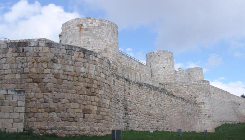 Visitas a los subterráneos del Castillo de Burgos (Gratuito)