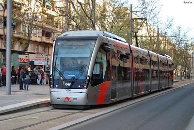 Autobuses y tranvía gratuitos para menores de 8 años en Zaragoza
