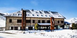 Fin de semana (San Valentín) de esquí + hotel con SPA 4* en los Pirineos (para 4)