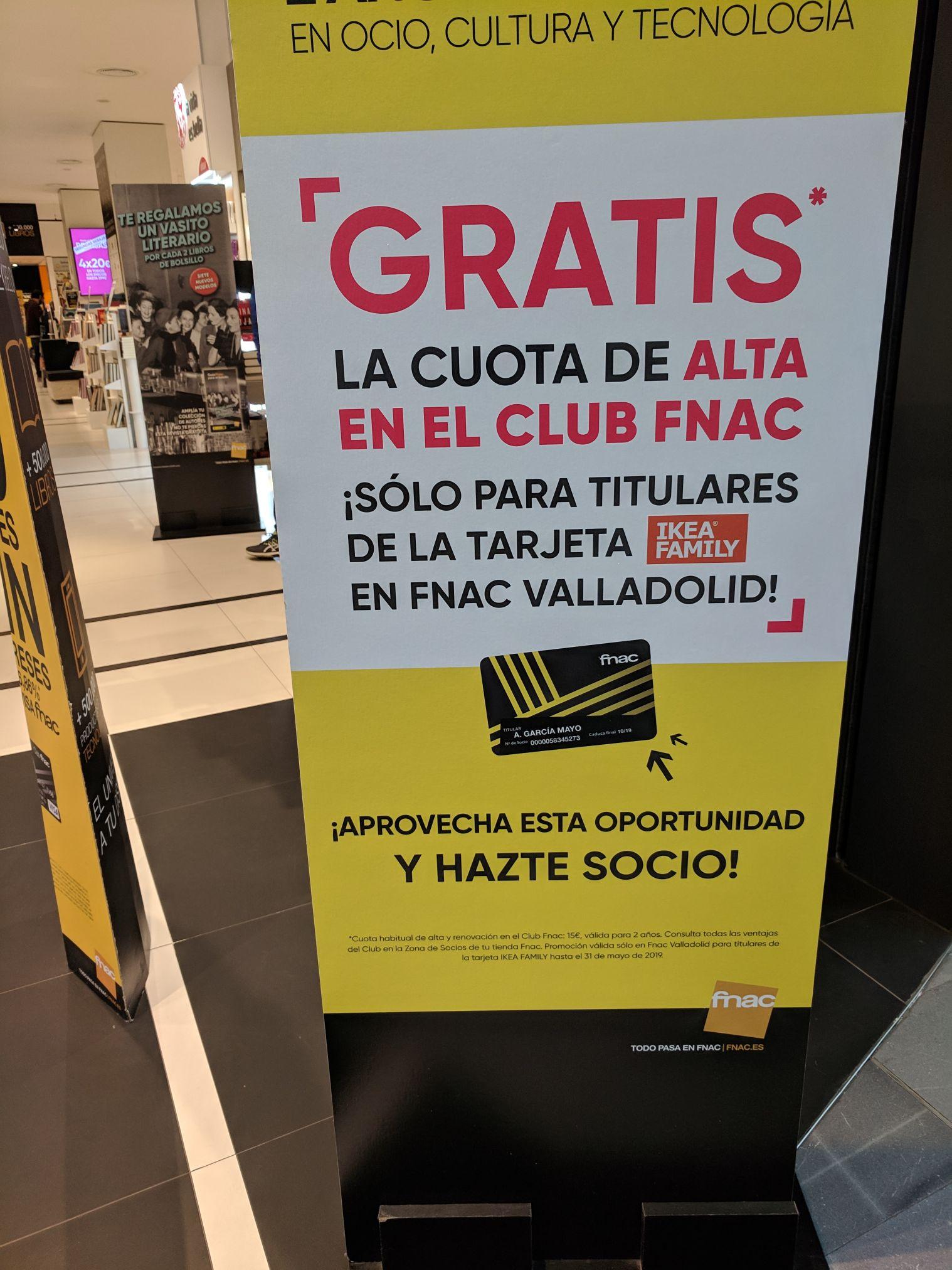Tarjeta de socio Fnac gratis en Fnac Valladolid presentando la Ikea famili