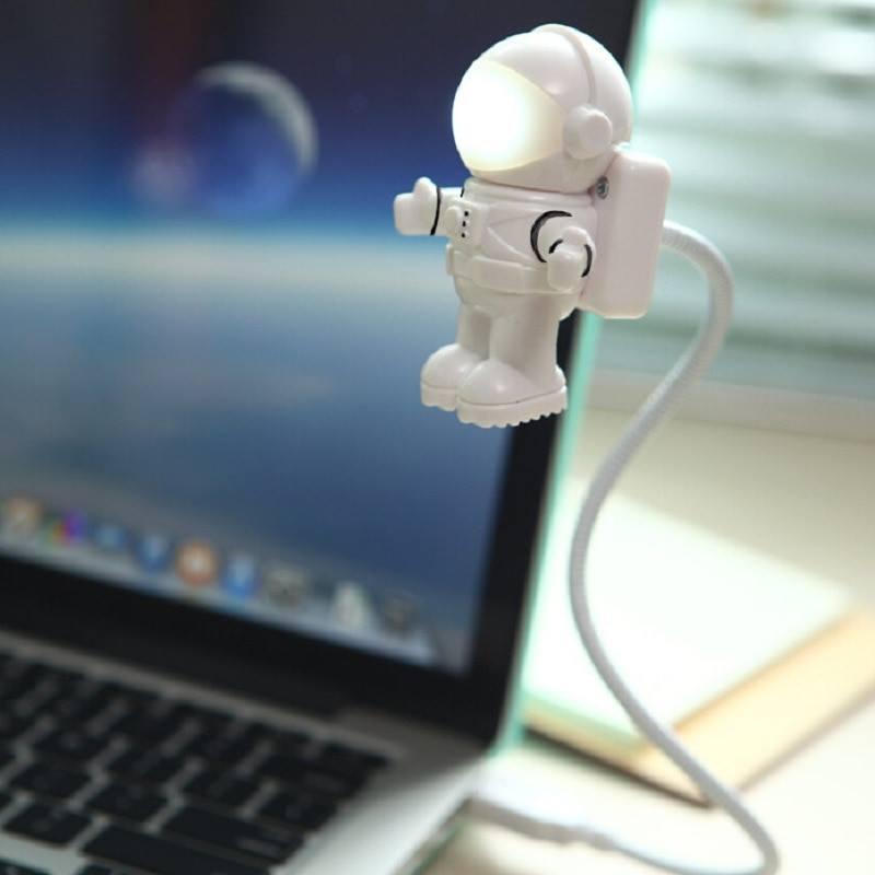 ¡Lámpara USB astronauta para portátiles sólo 2,94€! Envío gratis