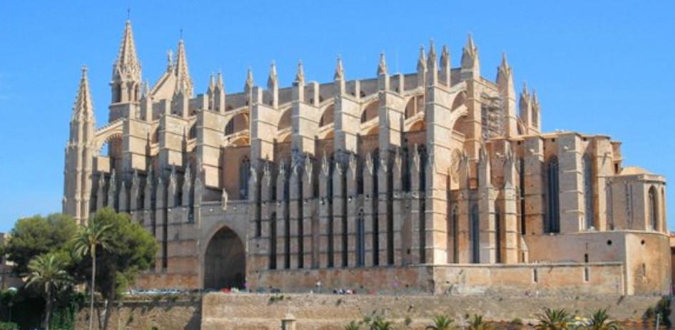 Palma de Mallorca (Sábado 23/02): Visitas guiadas oficiales a cambio de donativo para la Asociación contra el Cáncer de Mama
