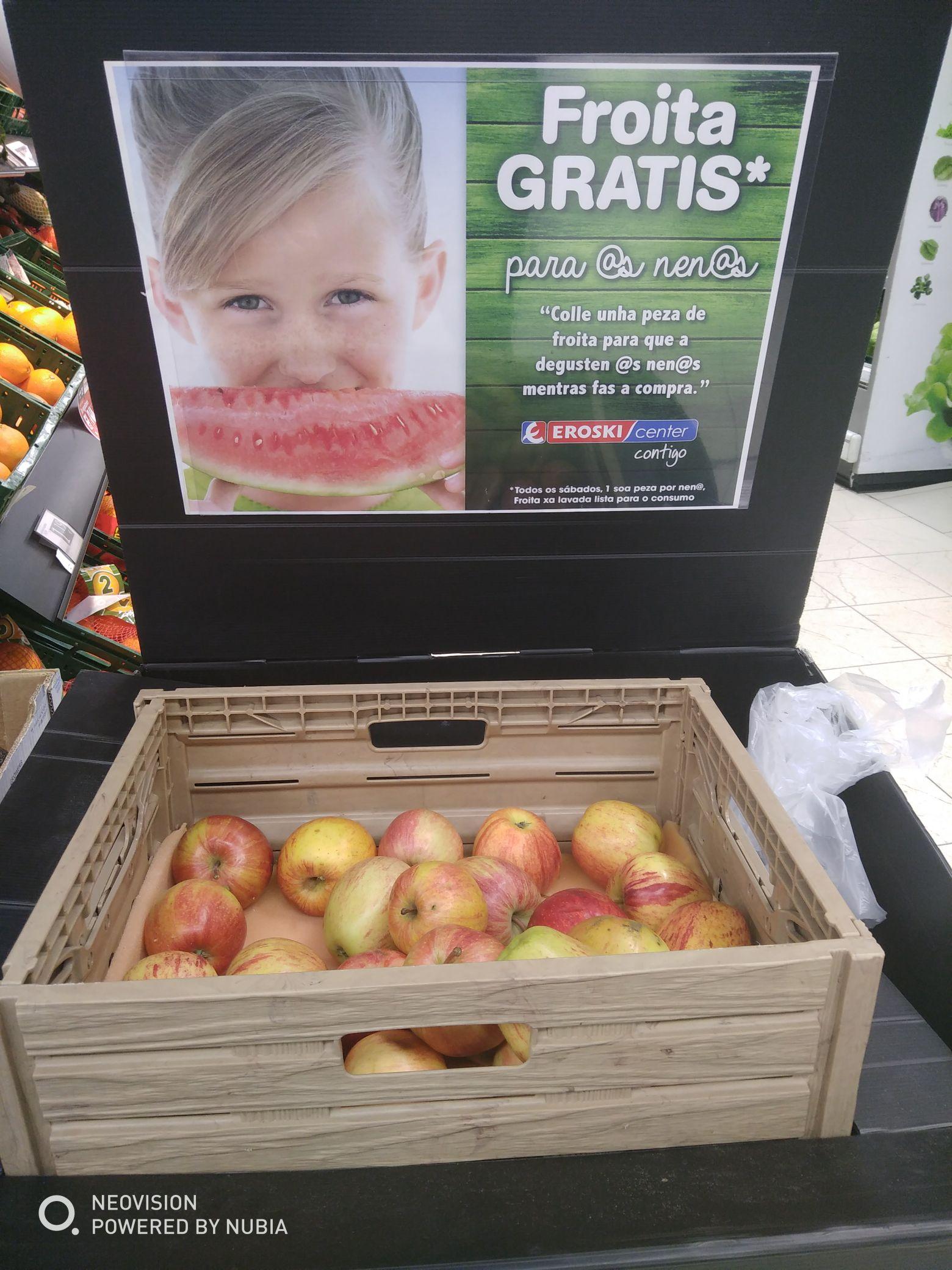 Cierra bocas :Una pieza de fruta gratis los sábados