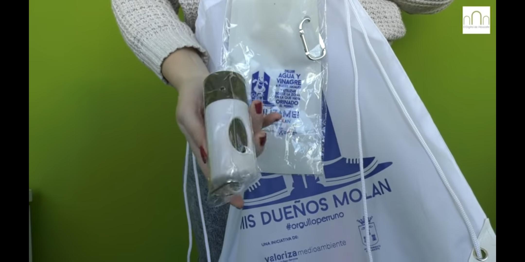 Gratis 5.000 kits de limpieza de perros (Albacete)