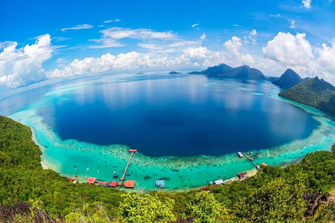 Vuelo a Kota kinabalu, Malaysia. Considerada mejor playa del mundo