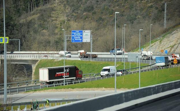La autovía de Deskarga (Guipuzcoa) se abre hoy al tráfico gratis