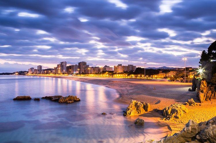 Chollazo! Hotel 4 estrellas Platja d'Aro con Pensión Completa, a precio de albergue...