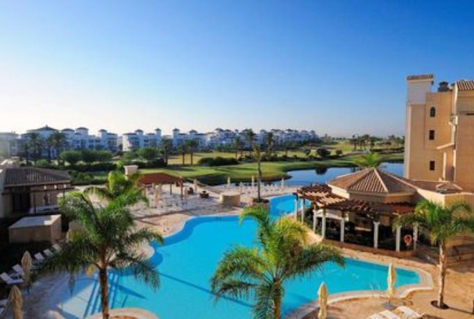 Puente de Mayo en Hilton La Torre Golf & Spa Resort en Murcia