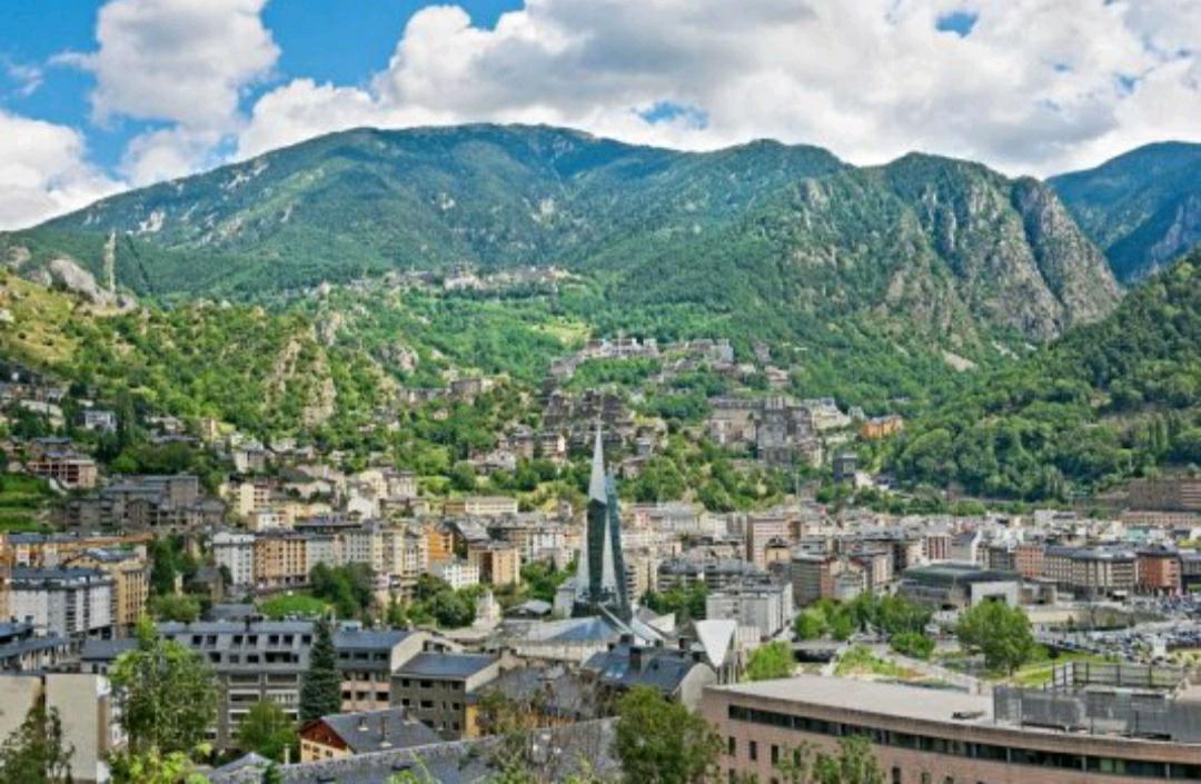 2 Noches Media Pensión Hotel 5 ***** en Andorra menos de 100€/pers!