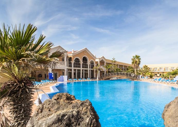 Fuerteventura 198€/p= 5 noches en hotel 3* con media pensión  + vuelos desde Madrid