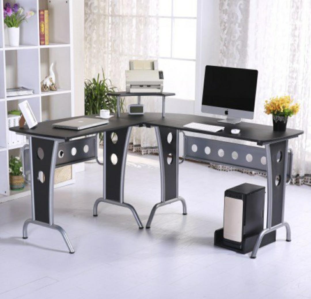 Mesa de ordenador de madera oscura HOMCOM  (-50€ y 5% adicional)