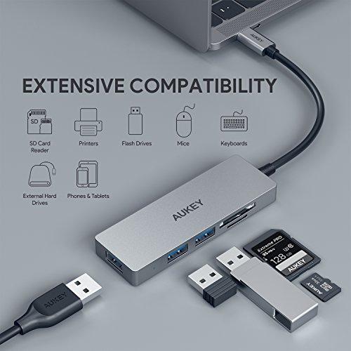 AUKEY Hub USB C de Aluminio Lector de Tarjetas SD y Micro SD, 3 Puertos USB 3.0 Adaptador USB C