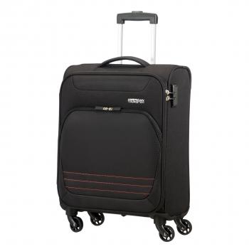 40% de descuento en maletas Bombay de la marca American Tourister