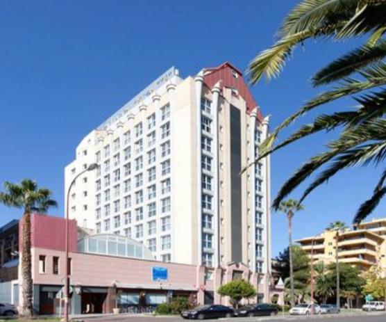 SEVILLA: Hotel 4* por 48€ la noche para 2 personas
