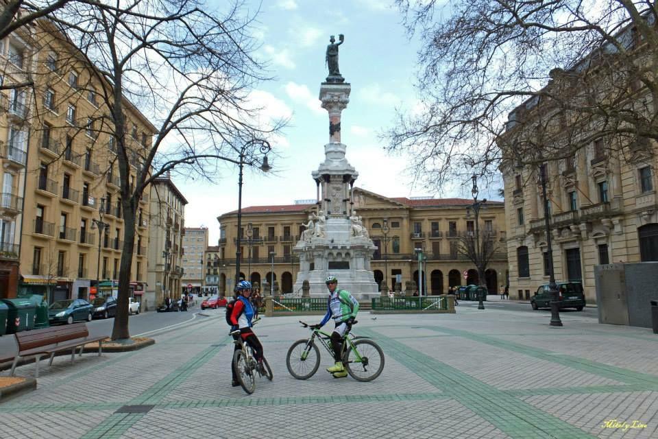 Cinco paseos guiados gratuitos en Pamplona, Estella, Zizur y Puente La Reina