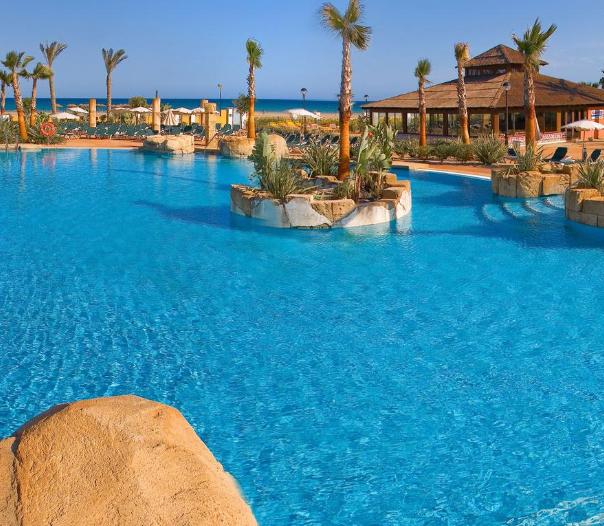 Hotel 4* en Costa de Almería 15€/p la noche
