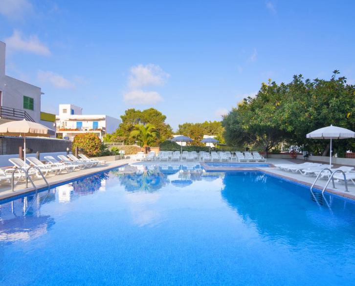 Ibiza en Junio 264€/p= 7 noches en hotel con desayuno + vuelos desde Madrid