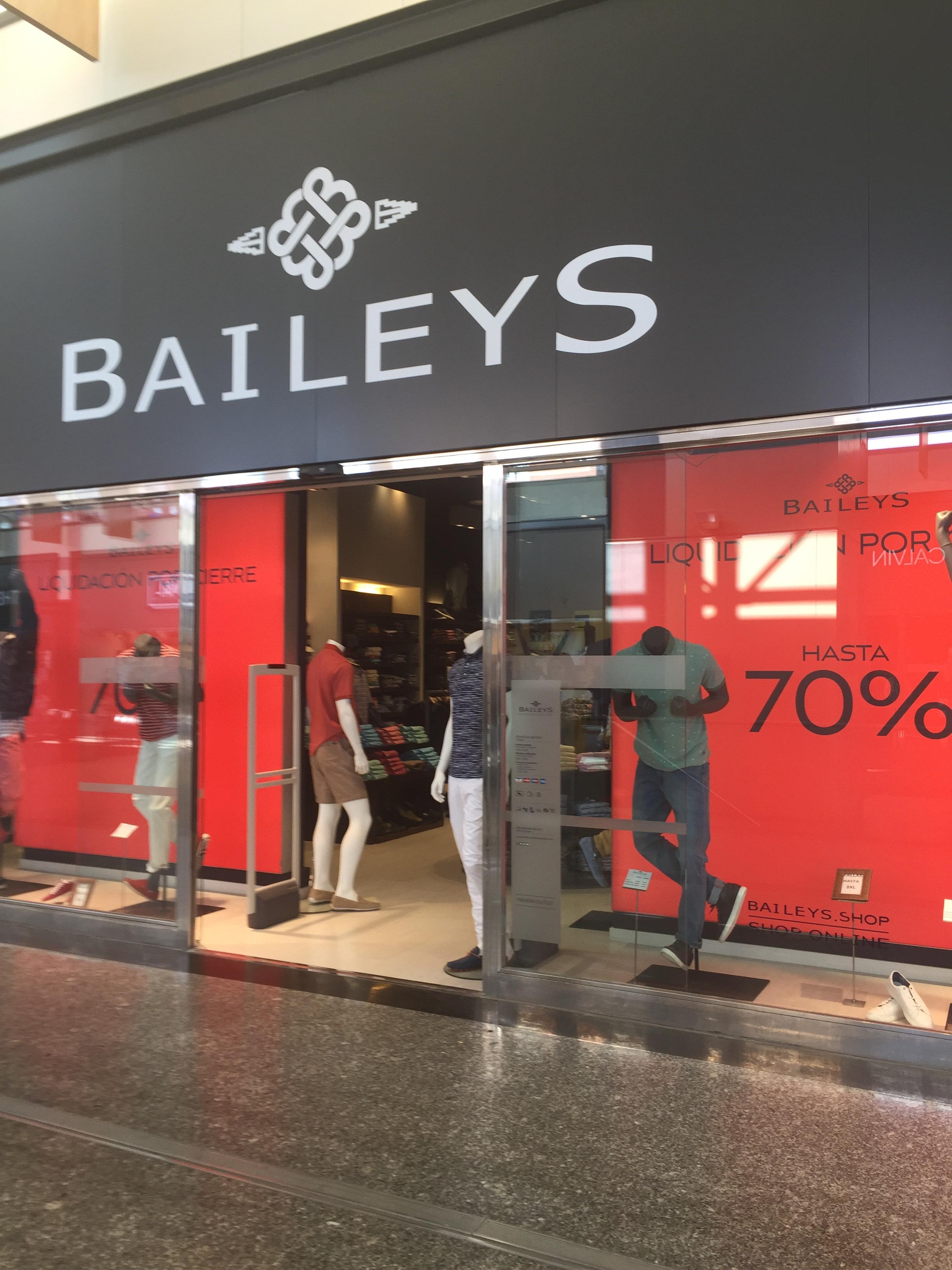 Hasta 70% Descuento Baileys Outlet MegaPark por cierre