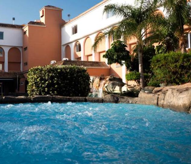 Vacaciones en Roquetas: 5 noches en hotel 4* por 50€ por persona