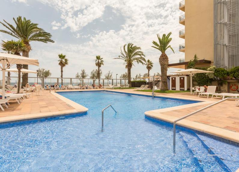 Hotel 4* en Roses por 13€ la noche para 2 personas