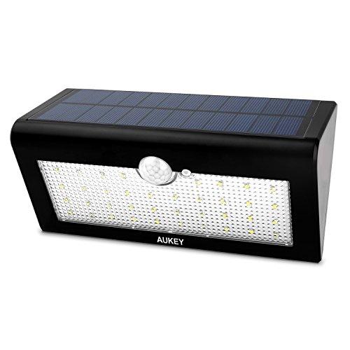 AUKEY - Lámpara solar con luz LED