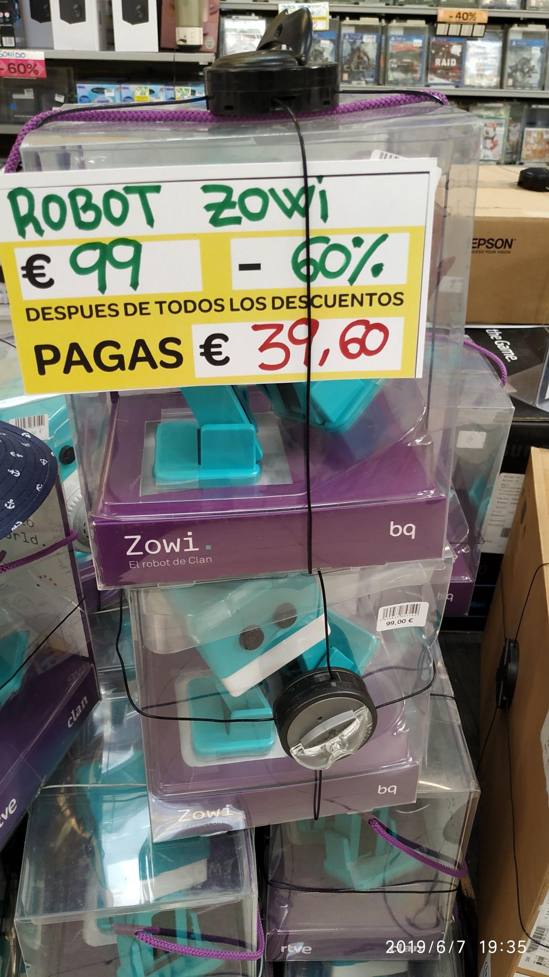 Robot Zowi BQ (Carrefour de Zaragoza)