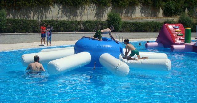 Entrada gratis a la piscina de San Lorenzo del Escorial, con atracciones para peques.