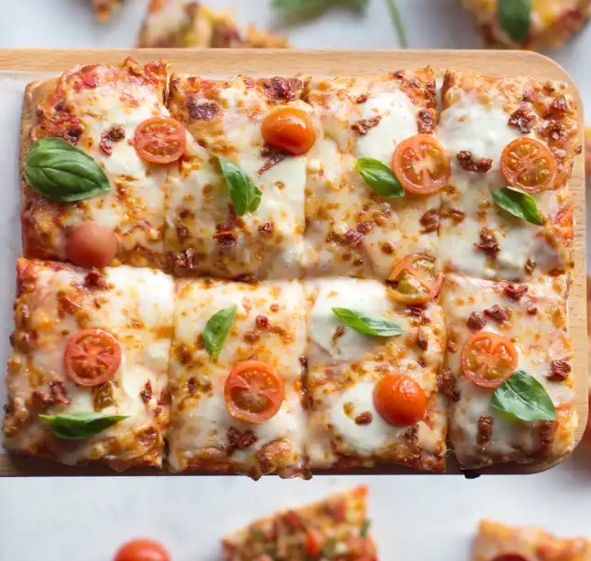 Pizzas Chicago Style GRATIS por consumo minimo de 11€ (socios c/app) 13€ (resto)
